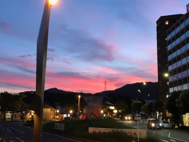 Ozawattiの徒然なるままに  1.梅雨明けの日の空 2.ケアリンプログラム・基礎編研修