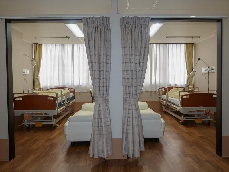 鶴巻温泉病院介護医療院 2人部屋も作りました